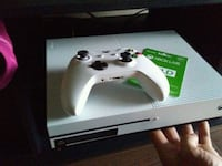Xbox One S console with controller London, N6H 4S9
