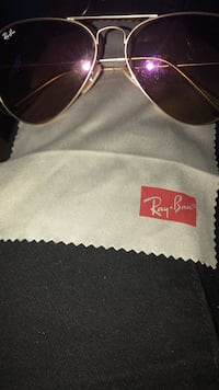 Black ray-ban aviator with stainless steel frames New York, 11203