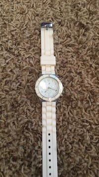 round white analog watch with white strap Flushing charter township, 48433