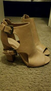 Tan Shoedazzle Booties Frederick, 21701