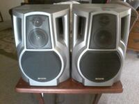 2  Aiwa speakers nothing wrong with them work goo Bakersfield, 93306