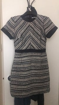 Dress size (6) MEDIUM Edmonton, T5R 4K3