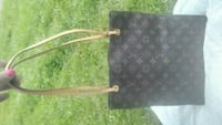 Louis vuitton purse Edmonton, T6H 1L2