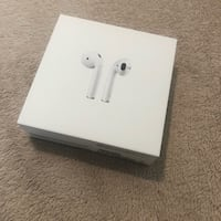 White apple airpods in box Clifton Park, 12065