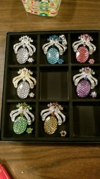 Brooches  Calgary, T3H 2W1