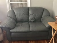 Matching couch & love seat Austell, 30106