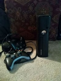 Xbox 360 console with all cords+ 2 controllers Vienna, 22181