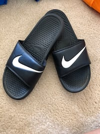 Ladies Black Nike Slides (Size 9) Arlington, 22202