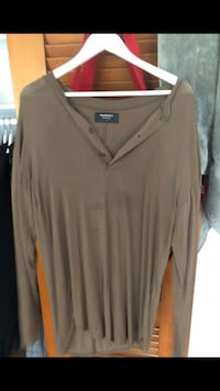 Represent Henley shirt. Size S but fits very long. Olney, 20832