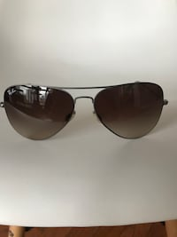 black framed Ray-Ban aviator sunglasses Toronto, M4S 1A1