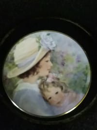 Avon mother's day plate Troy, 12182