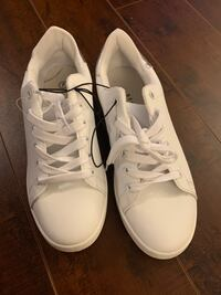 White and silver Size 7 sneakers Toronto, M2J 1L3