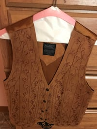 Gorgeous leather vest  Las Cruces, 88011