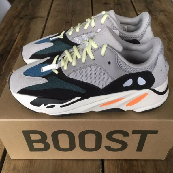 c5454e69a9419 Used Yeezys 700 wave runner used 9.5(NO BOX) for sale in New York ...