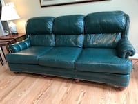 Green leather 3-seat sofa from Mastercraft. Excellent condition! 84 x 34 x 38 Purcellville, 20132
