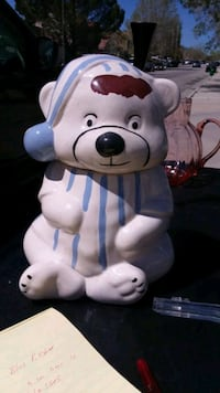 Vintage Sleepy Bear in Pajamas Cookie Jar. Palmdale, 93550