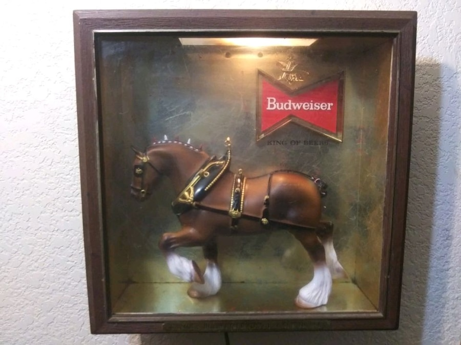 Photo Vintage Budweiser Famous Clydesdale Sighn