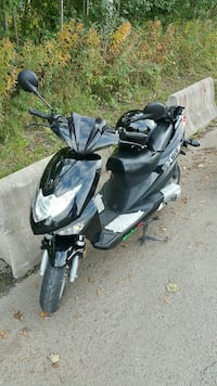 Moped/Scooter Mobelli 204RS Oslo, 0675
