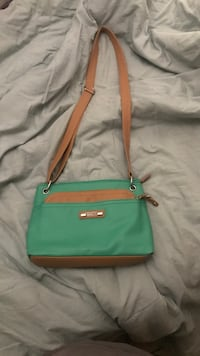 green and brown leather crossbody bag Riverbank, 95367