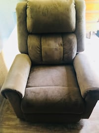 Electric Recliner Woodbury, 55125