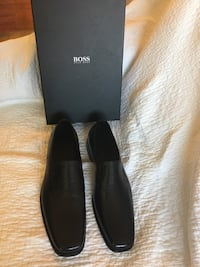 Men's size 10.5, brand new black leather shoes by Boss Washington, 20024