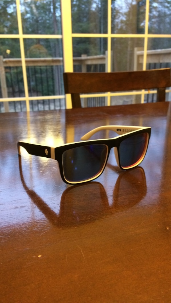 2a92875a40696 Used SPY discord sunglasses for sale in Port Hope - letgo