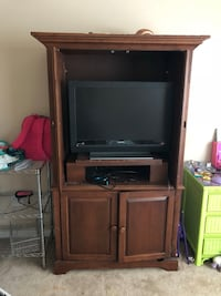 Tv stand/armoire Knoxville, 37918