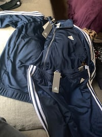 Woman's adidas track suit size l Medford, 11763