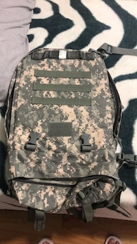 black and gray camouflage backpack Chicago, 60630