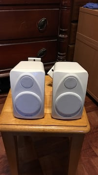 Polk outside speakers with brackets $5.00 Lawrence, 01843