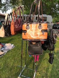 Purse Shakopee, 55379