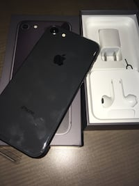 black iPhone 7 with box Montreal