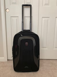 Black TUMI carry on suitcase with attachments Chantilly, 20152