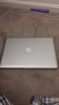 Macbook early 2011 Springfield, 22150