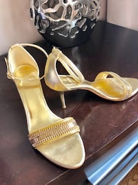 Gold woman sandals from Zara Vaughan, L4J