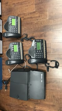 Mitel 3000 phone system and three phones (used) Montréal, H1P 3H3