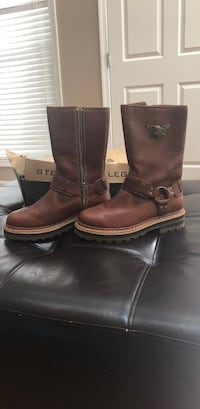 Women's size 8 Harley Austin boots