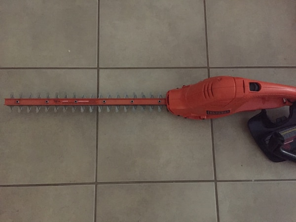 Electric Hedge Trimmer  3609028a-a8a4-4fd1-8c7e-cb9c9a702d9f