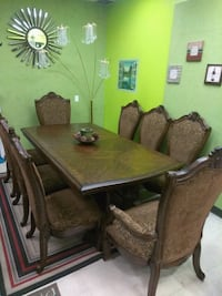 Repo 8pcs. Dining Set ...good shape..(We Deliver) Harrison