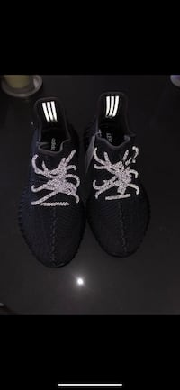 Yeezy static black Sz 9 Montclair
