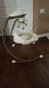 baby's white and gray cradle n swing St. Catharines, L2R 2R7