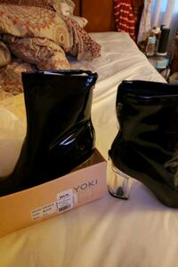 Yoki shirleen28 size 8.5 Baltimore, 21206
