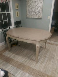 Dining table with 2 leafs Stone Mountain, 30087
