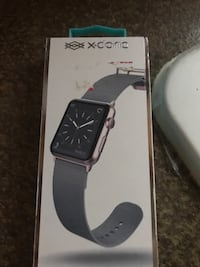 Brand new apple watch series 3 with charger & original box. I'll include a 40.00$ extra band as well. If you don't like my price click the red X. Its not negotiable !!!thanks Kissimmee, 34746