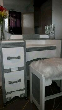Vintage vanity set with mirror and bench 3147 km