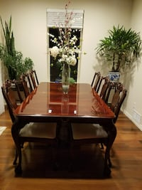 Bernhardt mahogany dining table and chairs Lakewood