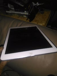 Silver ipad air brand new  Guelph, N0B