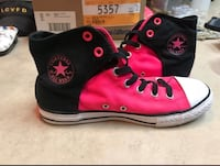 Pink and black converse  Chauvin, 70344