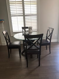 Dining table with 4 chairs Vaughan, L4H 2W9