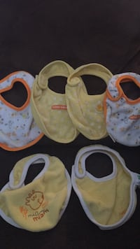 toddler's three pairs of shoes Lincoln, L0R